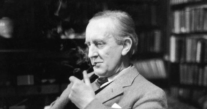 J.R.R. Tolkien Kimdir?
